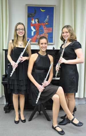 Unser derzeitiges Querflötentrio des Musikvereines, Catharina Erbacher, Hanna Specht und Theresa Gerber.